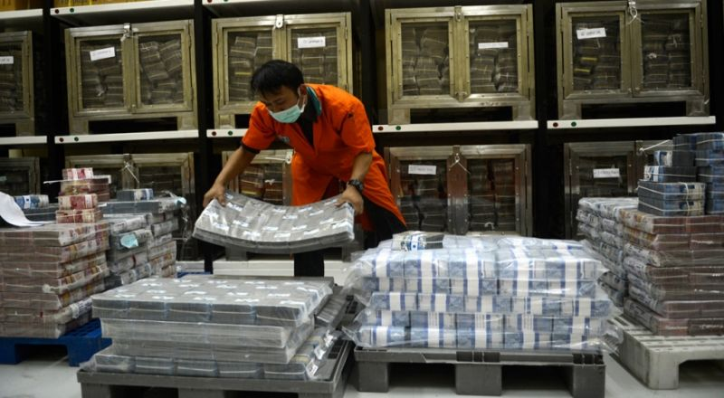 https: img-k.okeinfo.net content 2014 11 24 213 1069842 875-orang-superkaya-indonesia-miliki-rp1-577-triliun-BVIatjnkyD.jpg