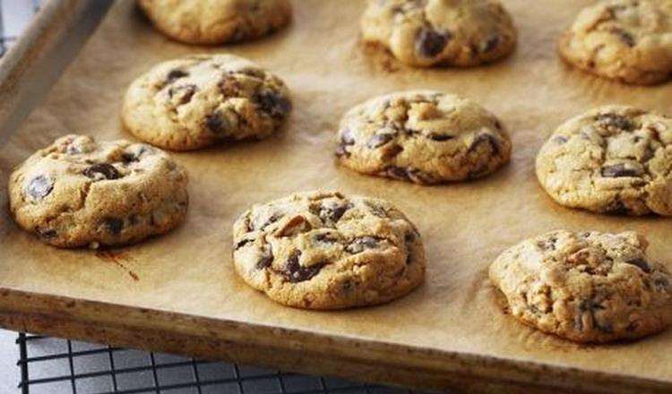 https: img-k.okeinfo.net content 2015 02 07 298 1102832 resep-klasik-cokelat-chip-cookies-WQk08wZmFF.jpg
