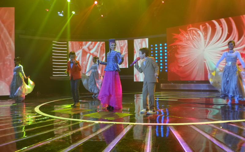 https: img-k.okeinfo.net content 2015 02 15 205 1106172 indah-nevertari-jagokan-jojo-juarai-indonesian-idol-junior-BoK4F0ePsI.jpg