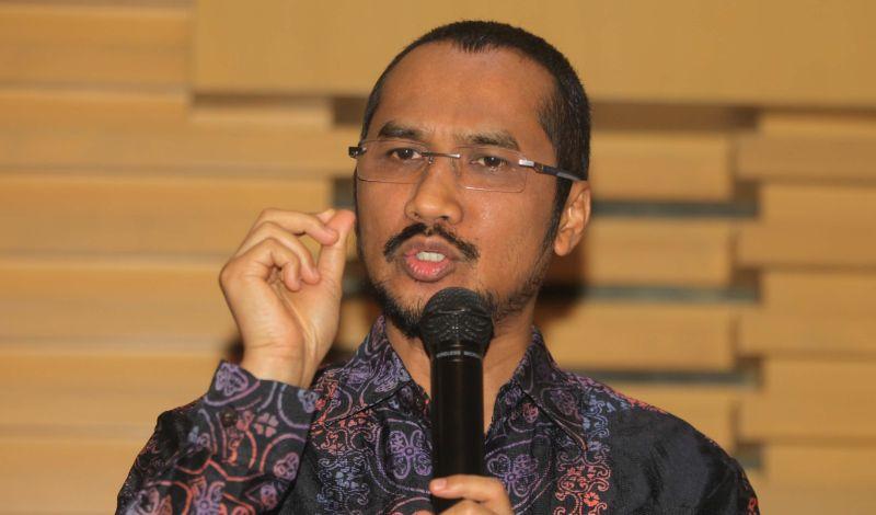 https: img-k.okeinfo.net content 2015 02 17 17 1106821 abraham-samad-advokat-pemberantas-korupsi-JNarurlolG.jpg