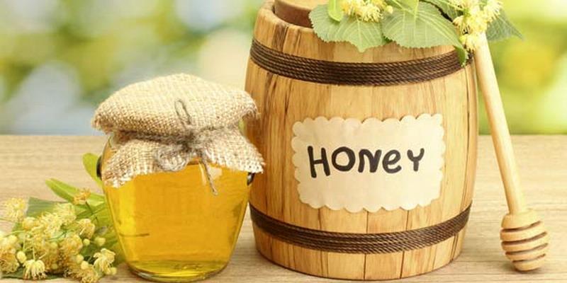 https: img-k.okeinfo.net content 2015 03 25 194 1124339 bahan-alami-untuk-merawat-kulit-h13h4V6G2M.jpg