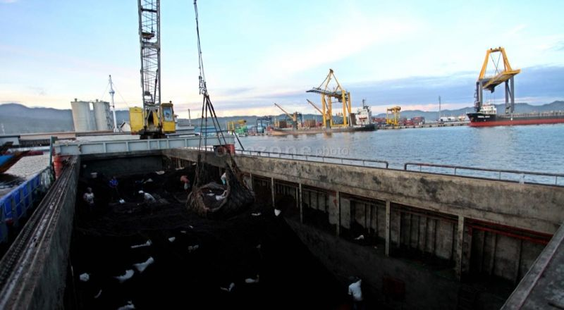 https: img-k.okeinfo.net content 2015 04 02 320 1128451 pembangunan-pelabuhan-cilamaya-perhatikan-kinerja-migas-vmNS7nnj0z.jpg