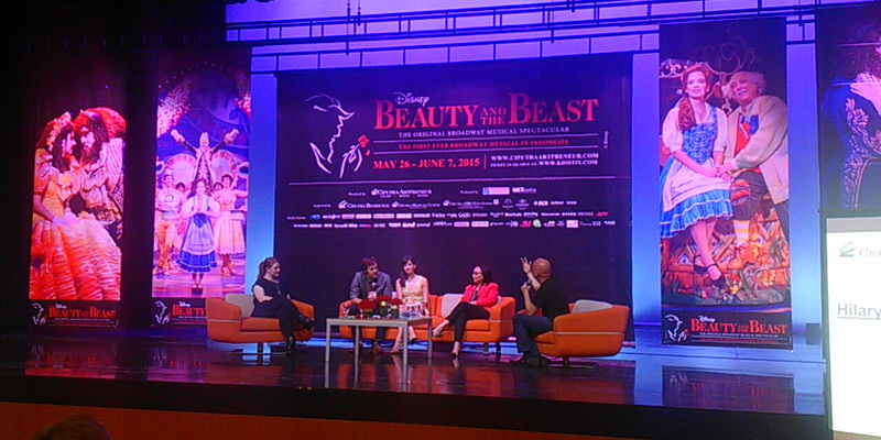 https: img-k.okeinfo.net content 2015 04 20 206 1137383 beauty-and-the-beast-pertunjukan-broadway-pertama-di-indonesia-oFmNdWlHnx.jpg