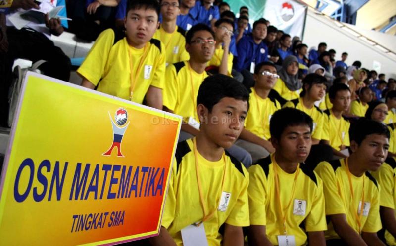 https: img-k.okeinfo.net content 2015 05 29 65 1157427 pelajar-tangerang-sabet-medali-emas-olimpiade-sains-nasional-hgXdD0kWg4.jpg
