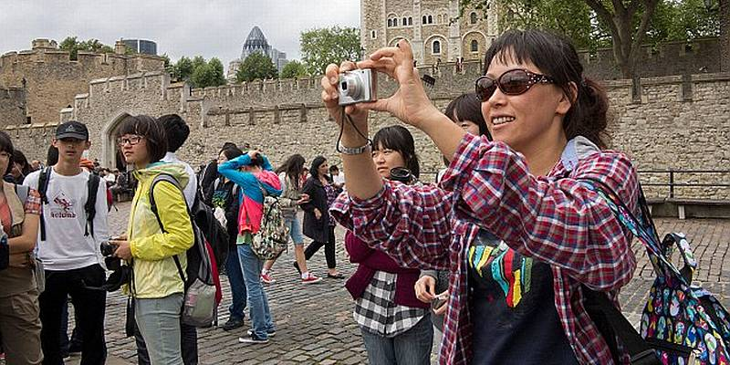 https: img-k.okeinfo.net content 2015 08 14 406 1196190 10-juta-turis-china-target-arief-yahya-E6chmIMyPe.jpg