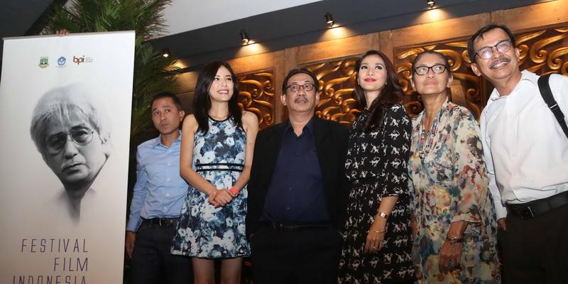 https: img-k.okeinfo.net content 2015 11 23 206 1254578 daftar-pemenang-festival-film-indonesia-ffi-2015-nuHzUcBDeC.jpg