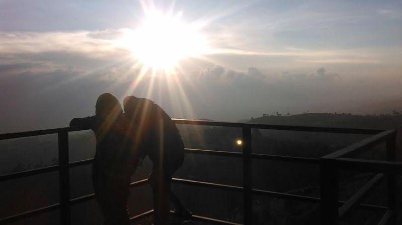https: img-k.okeinfo.net content 2016 01 08 406 1283482 lihat-sunset-terindah-datangi-saja-bandung-9enfCRGSxe.jpg