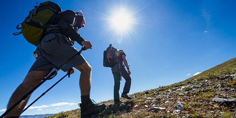 https: img-k.okeinfo.net content 2016 03 17 406 1338132 catat-persiapan-penting-sebelum-mendaki-gunung-MHM2WSJ9DH.jpg