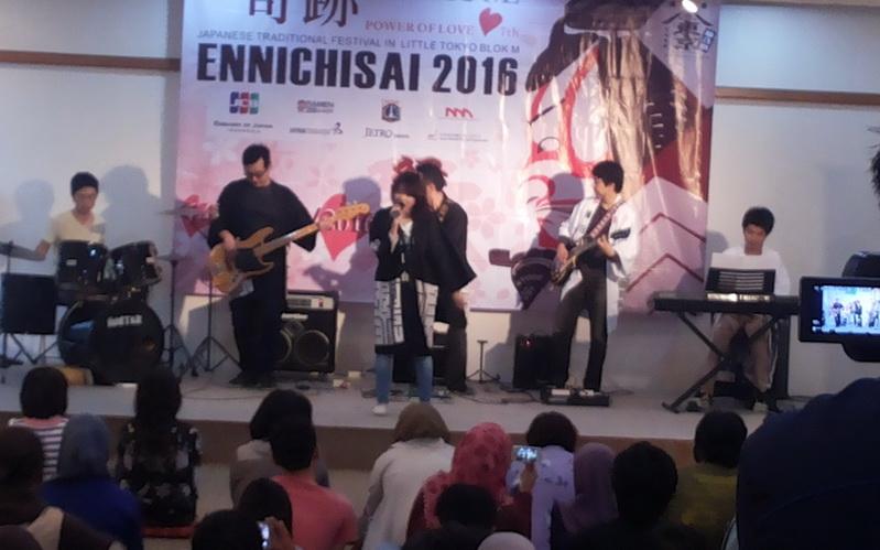https: img-k.okeinfo.net content 2016 04 03 406 1352453 mengenal-budaya-jepang-lewat-festival-ennichisai-3anWe0lNZW.jpg