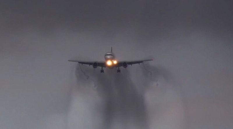 https: img-k.okeinfo.net content 2016 05 07 340 1382343 ini-kronologi-turbulensi-hong-kong-airlines-di-langit-kalimantan-KryVSsi4xg.jpg