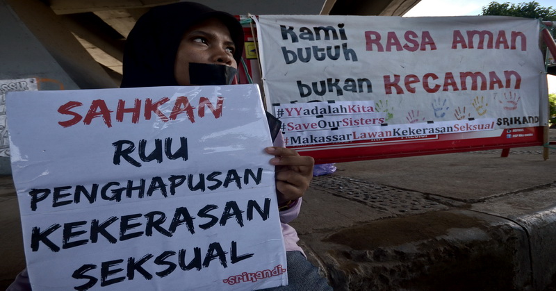 https: img-k.okeinfo.net content 2016 05 09 337 1383150 kasus-yuyun-bukti-indonesia-darurat-kejahatan-seksual-iENb3pr3di.jpg