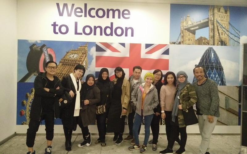 https: img-k.okeinfo.net content 2016 05 27 194 1398988 tiba-di-bandara-heathrow-tim-indonesian-weekend-siap-menggebrak-london-3xz7Z71LVn.jpg
