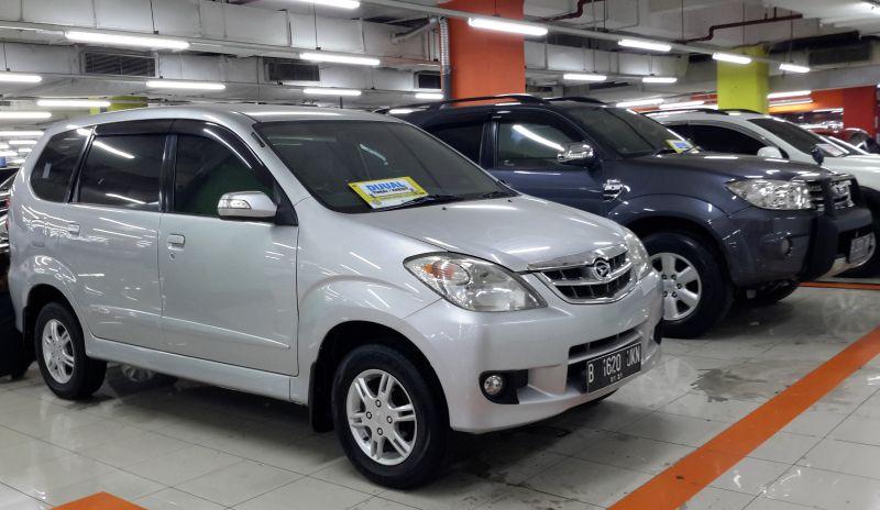 https: img-k.okeinfo.net content 2016 06 08 15 1409004 bisnis-taksi-online-dongkrak-penjualan-mobil-bekas-avanza-paling-dicari-iRm84mJFQ9.jpg
