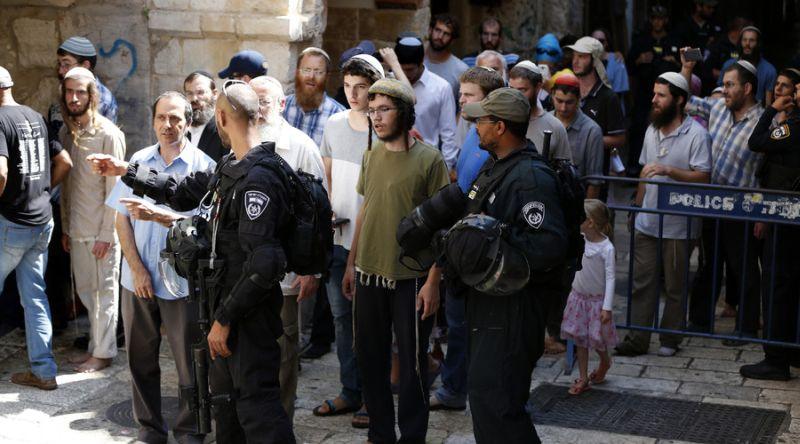 https: img-k.okeinfo.net content 2016 08 15 18 1463703 ratusan-yahudi-masuki-masjidil-aqsa-15-warga-palestina-terluka-w693873zGB.jpg