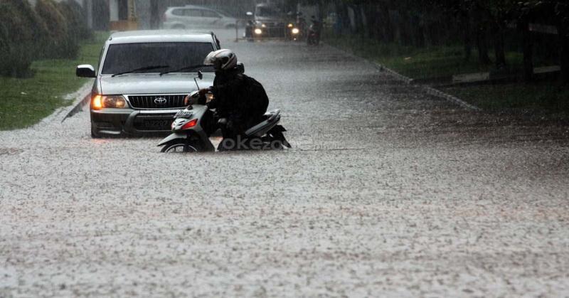 https: img-k.okeinfo.net content 2016 08 28 338 1475203 fokus-jakarta-banjir-lagi-fenomena-la-nina-atau-lumpuhnya-drainase-ibNcgDjcxz.jpg
