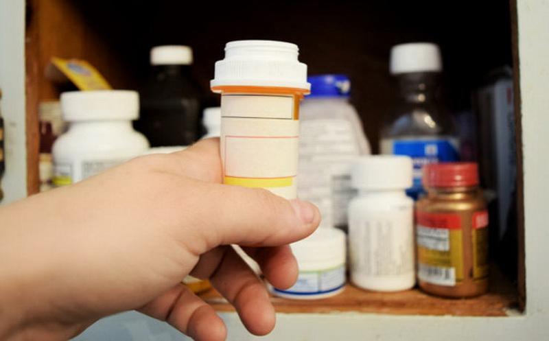 https: img-k.okeinfo.net content 2016 09 14 481 1489400 empat-jenis-obat-yang-memicu-lelah-dan-kantuk-qPVR00BhYs.jpg