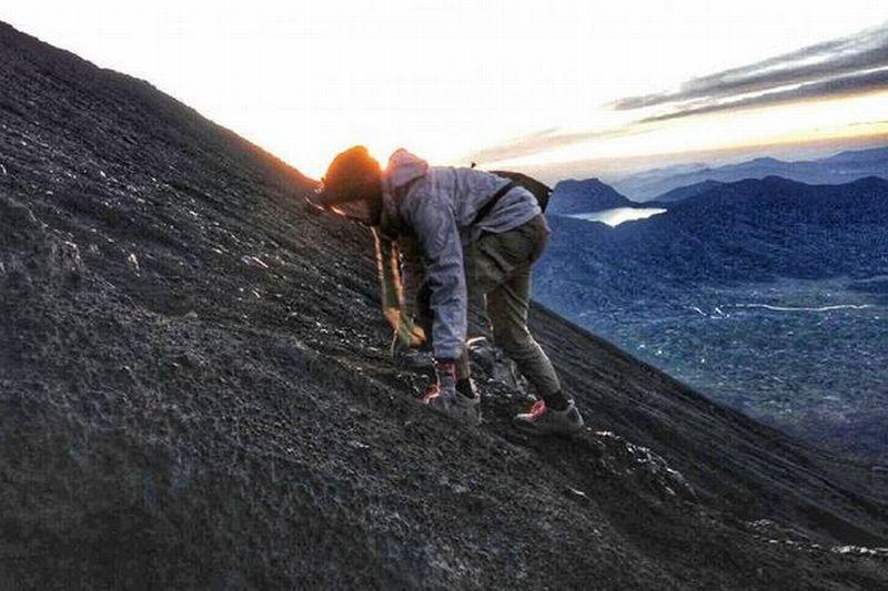 https img k.okeinfo.net content 2016 10 18 406 1518032 ekspedisi kerinci foto foto di jalur pendakian gunung kerinci yang bikin ngeri X12LOMhVDX.JPG