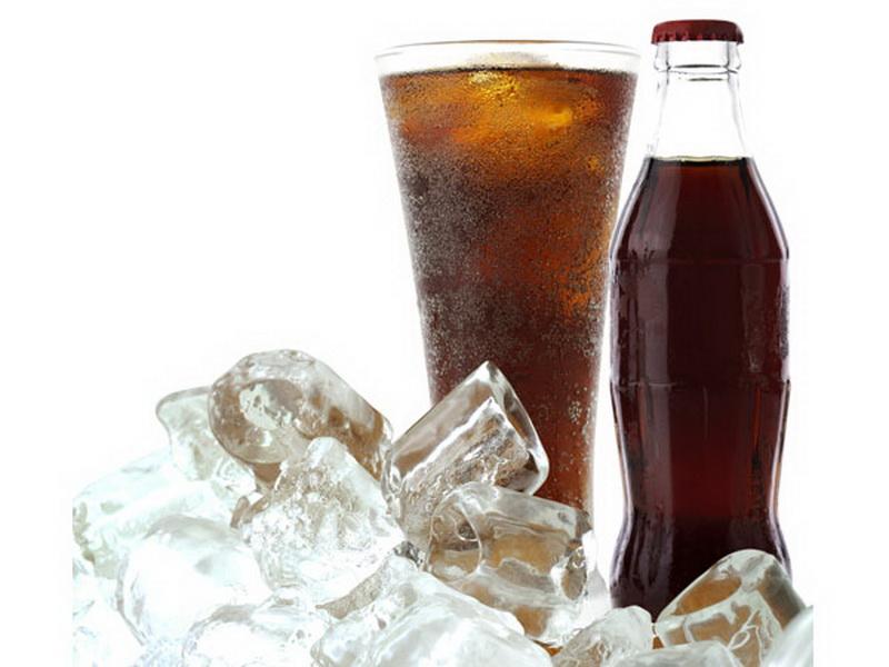 https: img-k.okeinfo.net content 2016 10 19 481 1518485 minuman-soda-memperlancar-haid-mitos-atau-fakta-dHEx8GHbmu.jpg