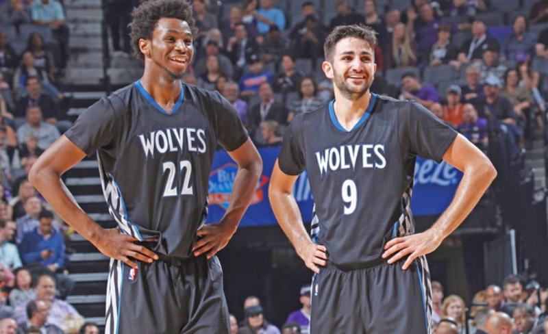 https: img-k.okeinfo.net content 2016 11 12 36 1539821 pelatih-timberwolves-konfirmasi-ricky-rubio-akan-kembali-beraksi-WJXqQD576O.jpg