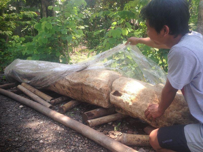 https: img-k.okeinfo.net content 2016 11 21 340 1546573 menhir-raksasa-berusia-ribuan-tahun-ditemukan-di-yogyakarta-lgsLZ639vu.jpg