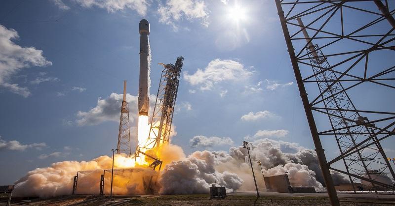 https: img-k.okeinfo.net content 2016 11 25 56 1551758 spacex-akan-luncurkan-satelit-nasa-pada-2021-ok8oJnwYXd.jpg