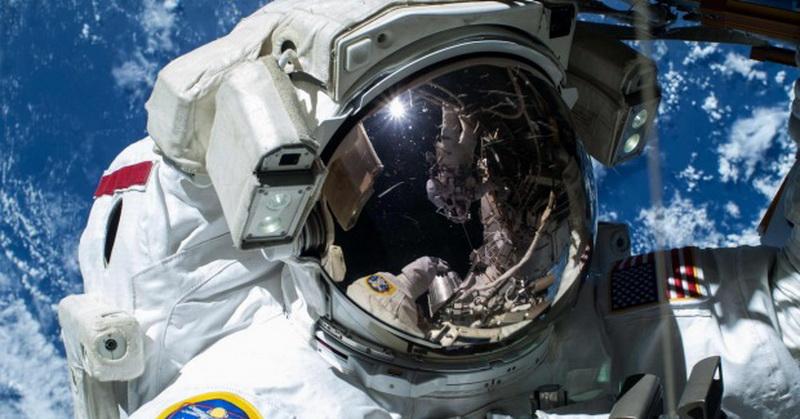 https: img-k.okeinfo.net content 2016 11 30 56 1555147 nasa-cari-cara-buang-air-di-luar-angkasa-503osR3lSM.jpg