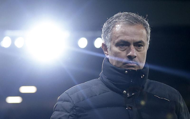 https: img-k.okeinfo.net content 2016 12 01 45 1555839 mourinho-puas-dengan-performa-manchester-united-SqlsvIr2pI.jpg