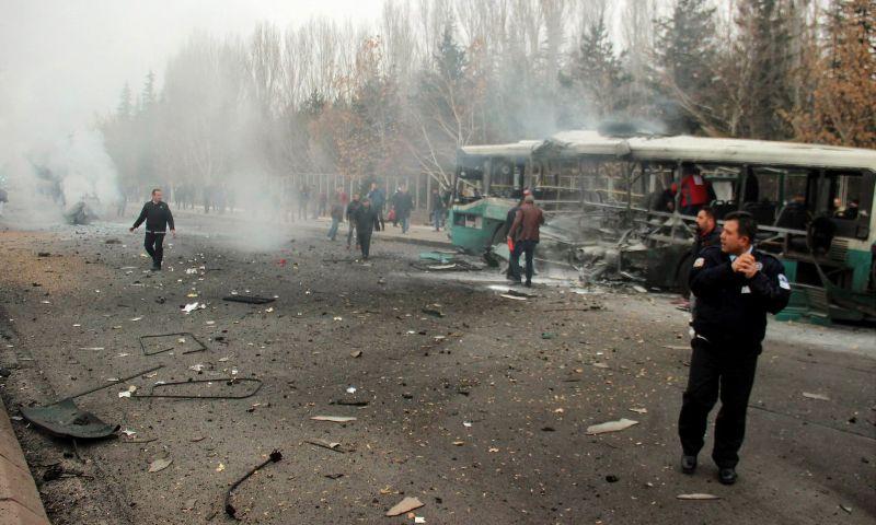 https: img-k.okeinfo.net content 2016 12 17 18 1569281 bom-kembali-guncang-wilayah-turki-belasan-tentara-tewas-vjJk21Z085.jpg