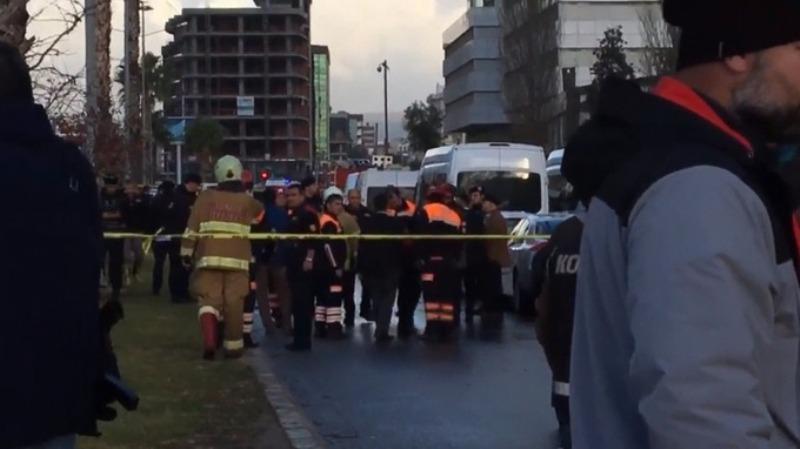 https: img-k.okeinfo.net content 2017 01 05 18 1584384 ledakan-guncang-gedung-pengadilan-di-turki-10-orang-terluka-XR4OtDcdK1.jpg