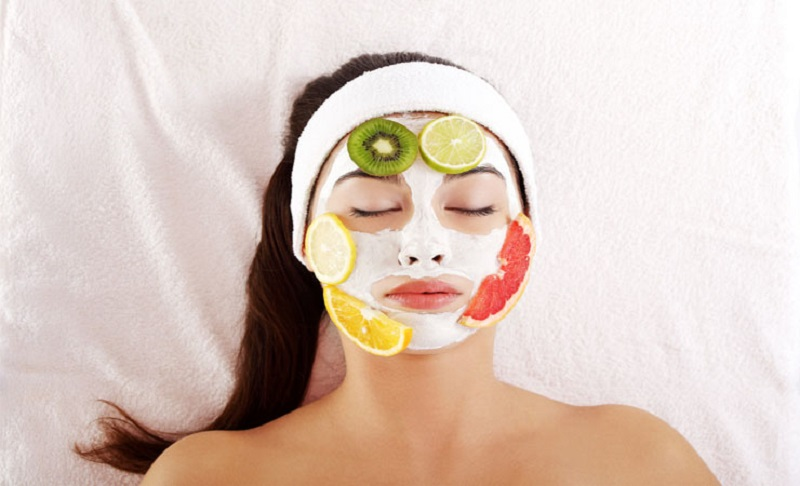 https img k.okeinfo.net content 2017 01 12 194 1589772 agar tidak keriput jangan biarkan masker terlalu lama nempel di wajah EM3DhIx9rE.jpg