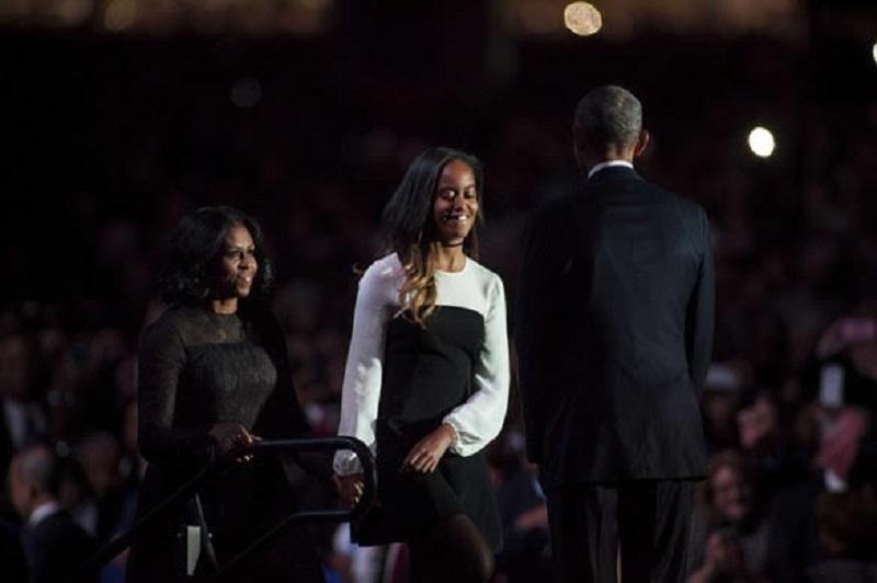 https img k.okeinfo.net content 2017 01 12 194 1590121 makna dress hitam michelle obama saat pidato terakhir QxzVU5m17W.jpg