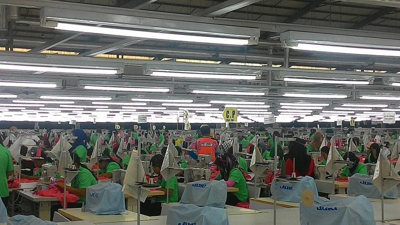 https: img-k.okeinfo.net content 2017 01 23 320 1598320 tenaga-kerja-asing-di-gresik-didominasi-china-YiKD2naoRD.jpg