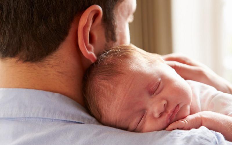 https: img-k.okeinfo.net content 2017 01 25 196 1600477 ibu-berharap-calon-ayah-siapkan-ini-jelang-bayi-mungil-terlahir-jahm9fJQ9H.jpg