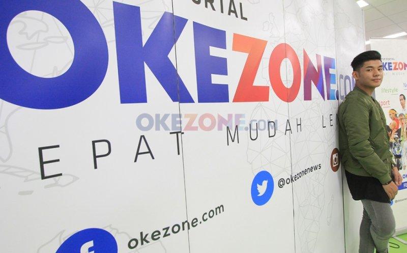 https: img-k.okeinfo.net content 2017 03 23 406 1650418 penyanyi-tampan-jaz-ungkap-uniknya-kehidupan-di-brunei-darussalam-VislJTW8EZ.jpg