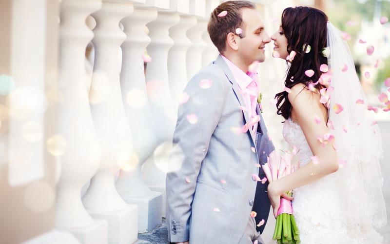 https img k.okeinfo.net content 2017 03 29 196 1653563 tak hanya gaun dan uang calon pengantin juga harus jeli hal ini di pesta pernikahan kSWpOiR7ec.jpg