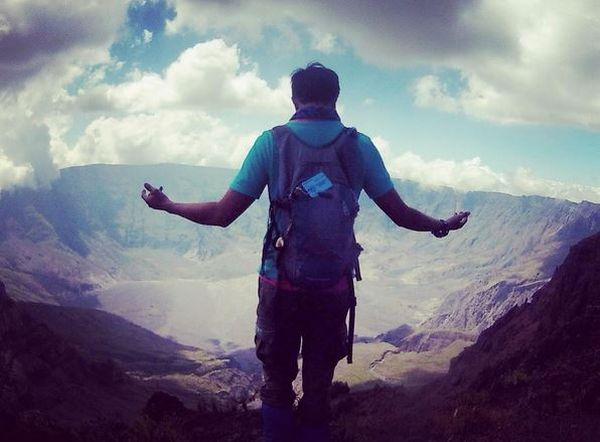 https: img-k.okeinfo.net content 2017 03 31 406 1655979 di-balik-dalamnya-kaldera-tambora-ada-kekayaan-alam-yang-tak-terukur-jR3py84hBI.jpg