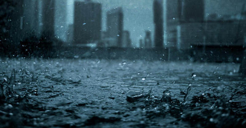https: img-k.okeinfo.net content 2017 04 20 207 1672322 foto-hujan-badai-di-bandung-viral-di-medsos-gmJkAtiToC.jpg