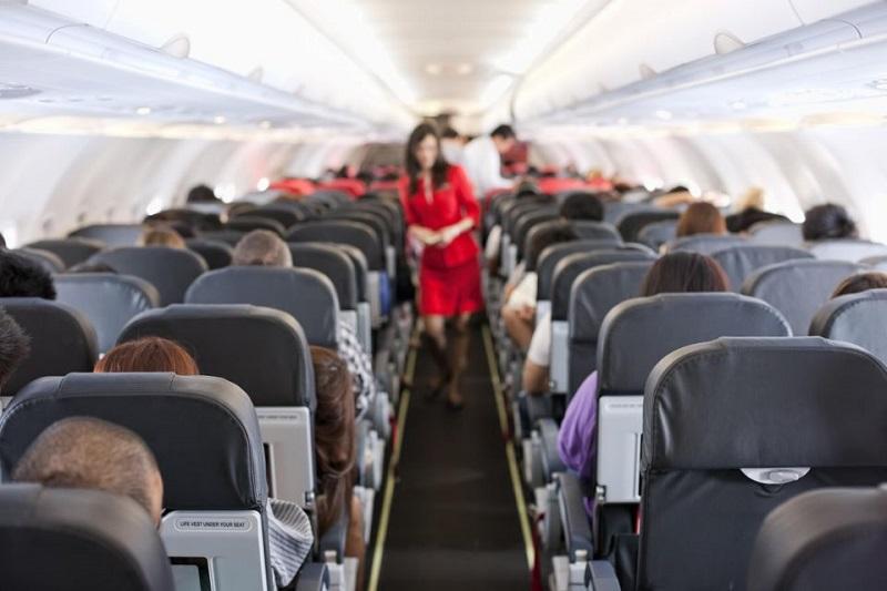 https: img-k.okeinfo.net content 2017 05 01 406 1680492 bila-terjadi-kecelakaan-pesawat-kursi-belakang-paling-aman-0LOqZGhDdq.jpg