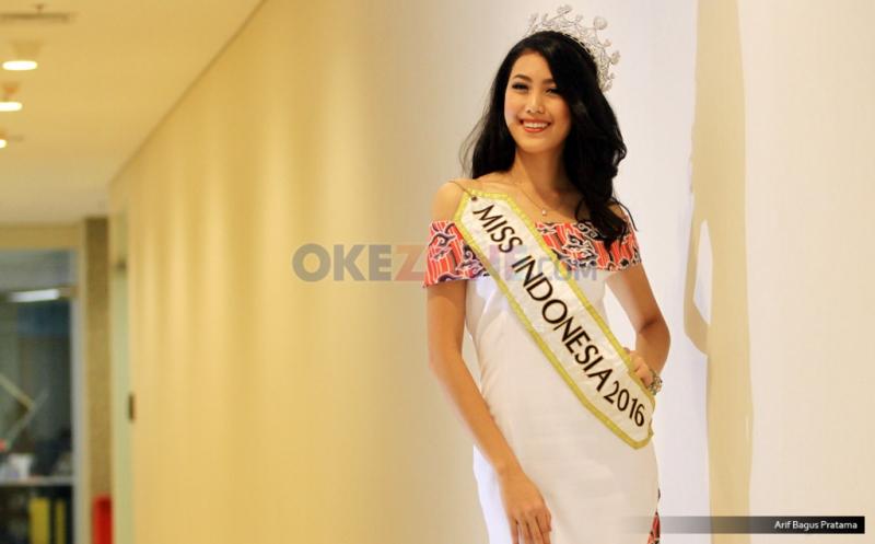 https: img-k.okeinfo.net content 2017 05 05 33 1684421 ini-kesibukan-baru-natasha-mannuela-setelah-menjadi-miss-indonesia-2016-GNSZfETyXm.jpg