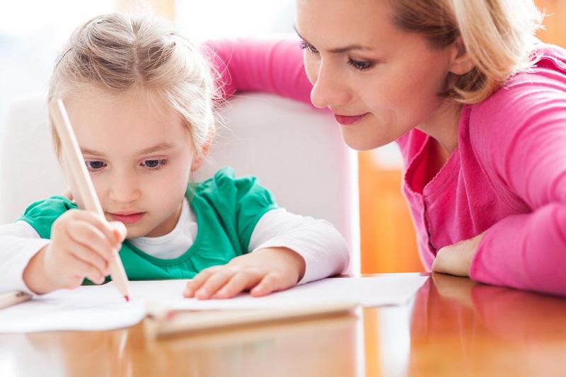 https: img-k.okeinfo.net content 2017 05 08 481 1686133 panduan-untuk-orangtua-agar-otak-anak-berkebutuhan-khusus-bisa-berkembang-optimal-4F72LZmLWF.jpg