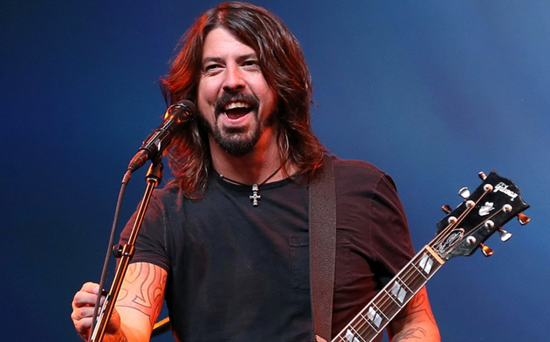 https img k.okeinfo.net content 2017 05 17 205 1692745 dave grohl bocorkan lagu terbarunya yang berjudul the sky is a neighborhood q7kInQ9lLI.jpg