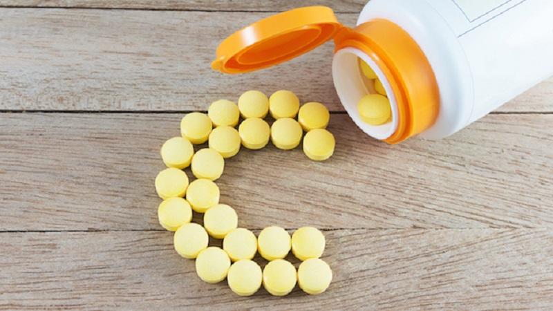 https: img-k.okeinfo.net content 2017 05 17 481 1693139 pentingnya-minum-suplemen-vitamin-c-selama-puasa-KtajdzS1Yt.jpg