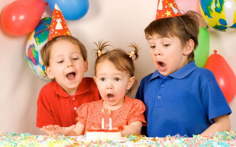 https img k.okeinfo.net content 2017 05 18 196 1694216 moms jangan bikin perayaan ulang tahun anak ini alasannya berdasarkan pandangan islam vcKoIlPDyp.jpg