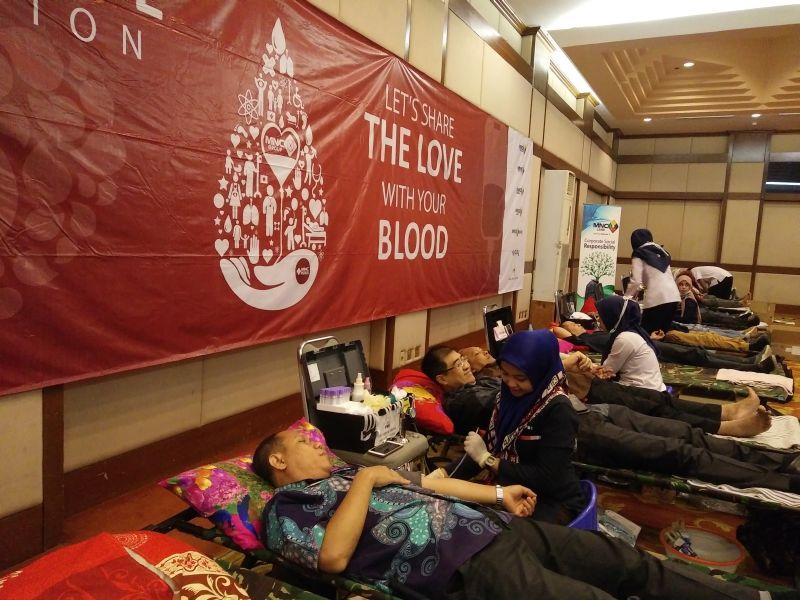 https: img-k.okeinfo.net content 2017 05 23 337 1697731 mnc-group-selenggarakan-donor-darah-tiap-3-bulan-sekali-Sgciz8pNow.jpg