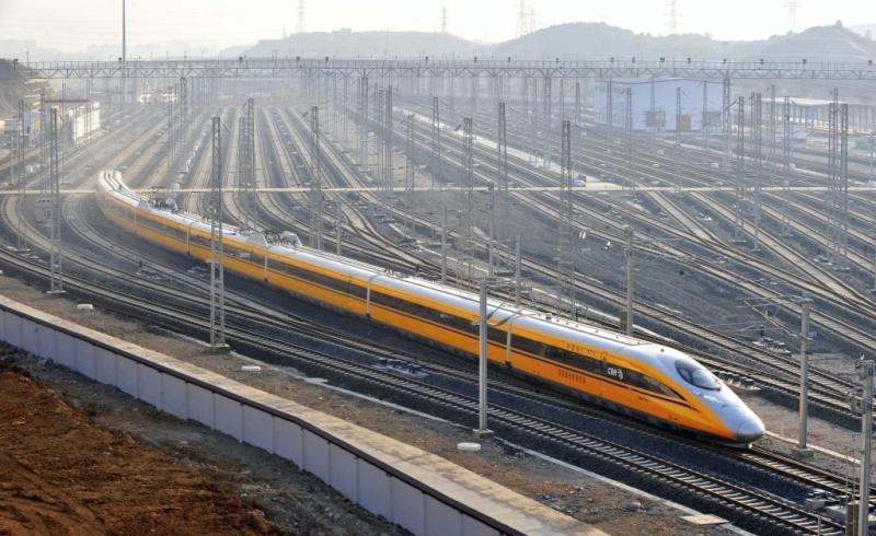 https: img-k.okeinfo.net content 2017 06 08 320 1710711 kereta-cepat-jakarta-surabaya-bisa-capai-kecepatan-300-km-jam-nGP5FZP2G4.jpg