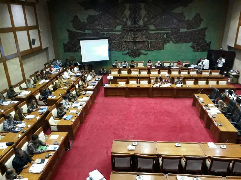 https: img-k.okeinfo.net content 2017 06 13 278 1715061 gubernur-bi-rupiah-di-level-rp13-000-cerminan-fundamental-ekonomi-indonesia-DcpEOnS1dR.jpg