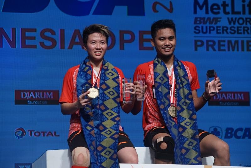 https: img-k.okeinfo.net content 2017 06 19 40 1719401 juara-indonesia-open-2017-menpora-berharap-ada-atlet-yang-bisa-ikuti-jejak-owi-butet-9UhPfV2FVR.JPG