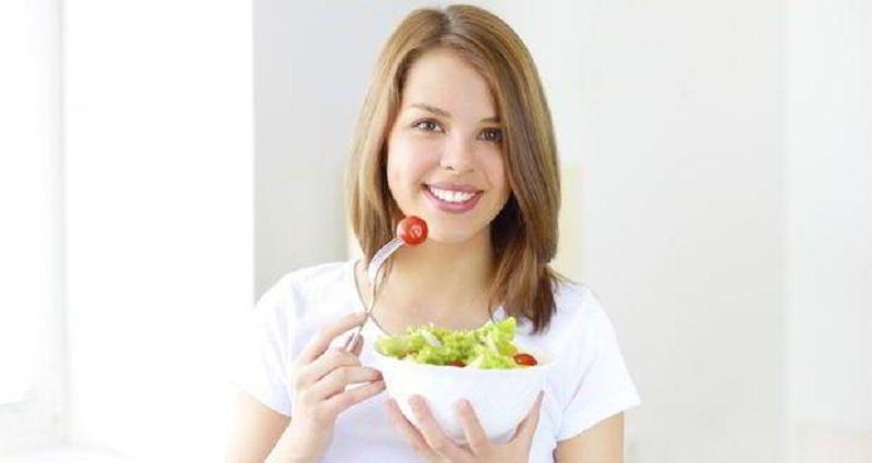 https: img-k.okeinfo.net content 2017 06 24 481 1724120 terapkan-gaya-hidup-sehat-generasi-milenial-harus-makan-sayuran-mentah-ujOnZRPRpL.jpg