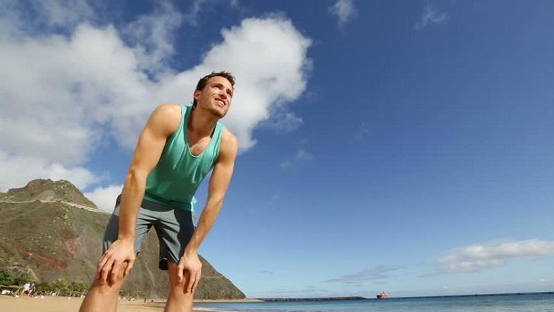 https: img-k.okeinfo.net content 2017 06 30 481 1726001 liburan-ke-pantai-bikin-tubuh-cepat-lelah-kenapa-nDAY9MaNKR.jpg