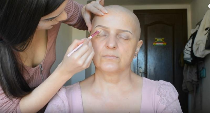 https: img-k.okeinfo.net content 2017 07 10 194 1732531 ibu-penderita-kanker-disulap-jadi-cantik-dengan-pulasan-make-up-JPsF4rdhkw.png